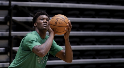 Boston Celtics rookie Robert Williams: Knee injury 'feeling way, way better'