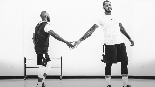 Chris Paul welcomes Carmelo Anthony to Rockets