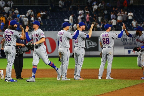 deGrom strikes out twelve, Mets hit five home runs in victory over Yankees