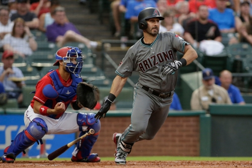 Arizona Diamondbacks outslug Rangers to salvage series split