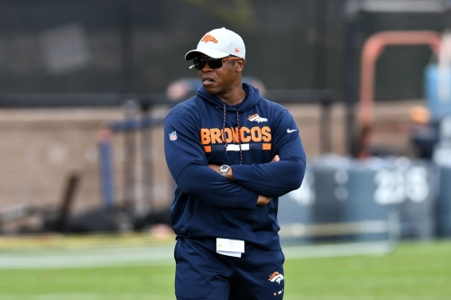 Horse Tracks: Vance Joseph looking forward to joint practices with Chicago Bears