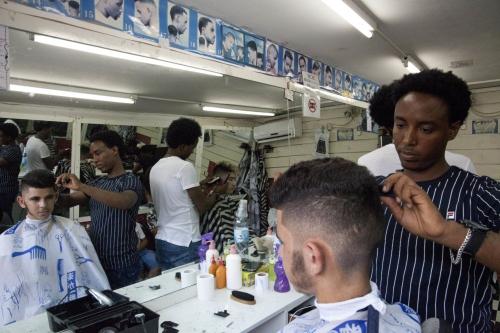 Africanos furibundos porque Israel les reduce los sueldos