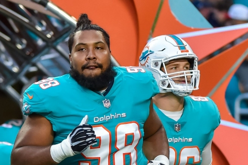 Raiders reportedly claim DT Gabe Wright who was waived by Dolphins after cheap shot on helmetless teammate