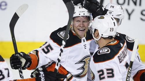 Ducks sign forward Ondrej Kase to 3-year contract