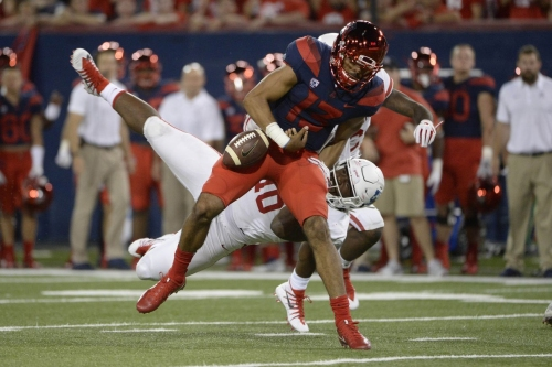Houston's Ed Oliver calls out Arizona QB Khalil Tate in Sports Illustrated interview