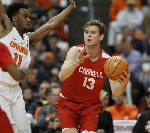 UA basketball notes: On Arizona's newest transfer, DesJardins' injury and recruiting news