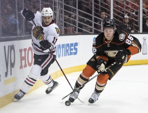 Ducks sign restricted free agent Ondrej Kase to 3-year, $7.8-million contract