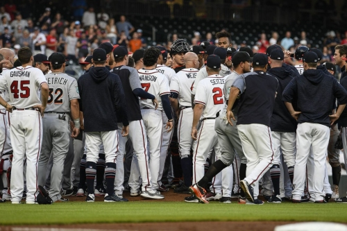 Braves finish sweep of Marlins after first inning theatrics