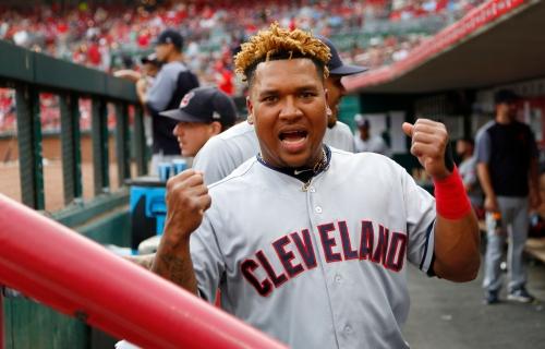 Cincinnati Reds fan wins battle with Indians' Jose Ramirez for foul ball