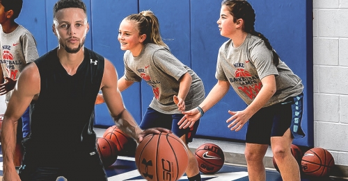 Stephen Curry hosted 200 girls at basketball camp