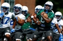 Memphis freshmen Kenny Gainwell, Cameron Fleming watch and find their way