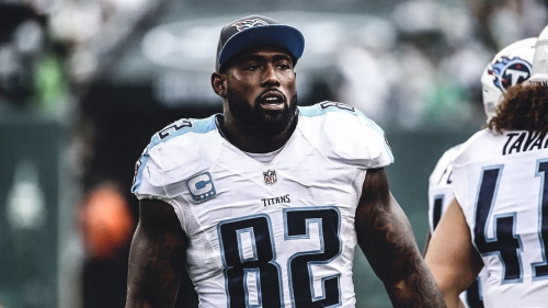 Titans TE Delanie Walker injured in joint practice with Bucs