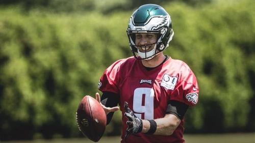Eagles news: Nick Foles has strained shoulder