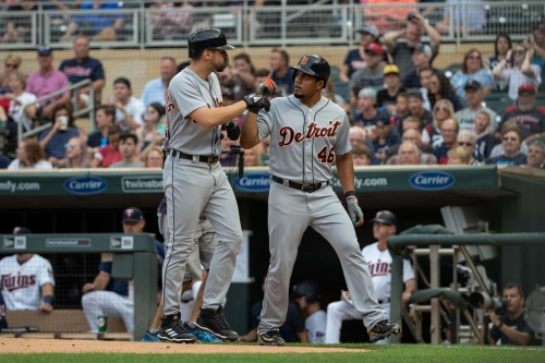 Links: The Tigers pay their R-E-S-P-E-C-Ts
