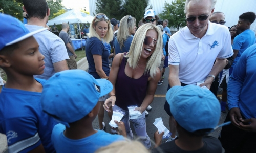 Yas Queen! Kelly Stafford deserves applause for Jalen Ramsey clapback