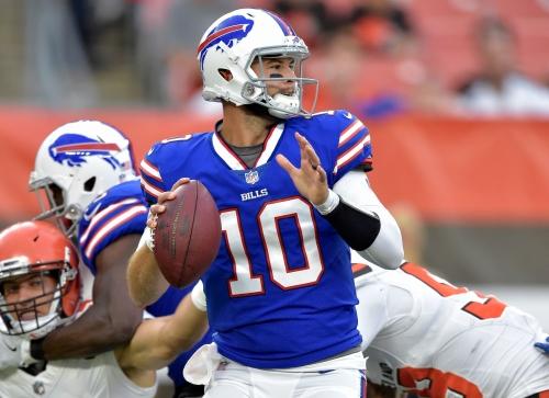 Report: Buffalo Bills quarterback A.J. McCarron fractures collarbone against Browns