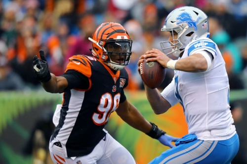 Carlos Dunlap praises fellow d-linemen and team pass-rushing consultant Chuck Smith