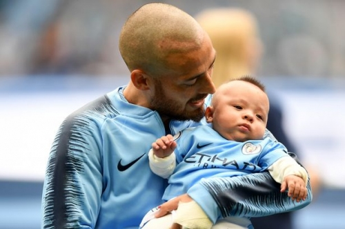 Pep Guardiola pays tribute to Man City great David Silva after son Mateo watches him score