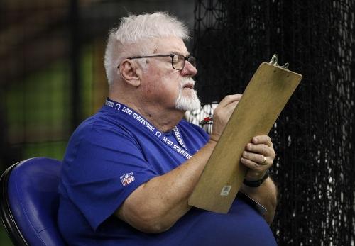 Enjoy famous calls by Colts radio man Bob Lamey