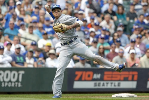 Dodgers Injury News: X-Rays On Manny Machado's Left Wrist Came Back Negative