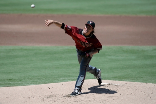 Diamondbacks' Zack Greinke uses cheat sheet for pinch-hitters vs. Padres
