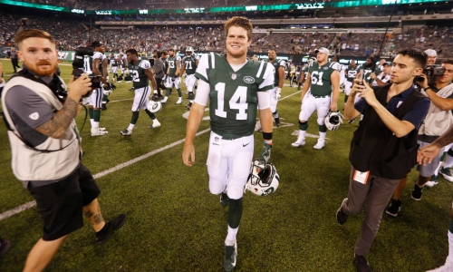 Jets' Jeremy Bates says Sam Darnold 'progressing extremely fast,' has 'owned the playbook'