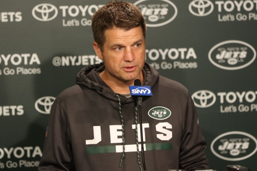 Jets offensive coordinator Jeremy Bates will call games from the sideline, here's why