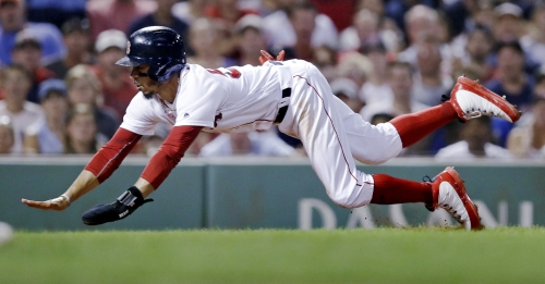 Boston Red Sox win on walkoff error after Matt Barnes blows lead in 8th, Craig Kimbrel blows lead in 9th