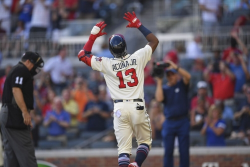 Braves rally late again, defeat Pirates 5-1