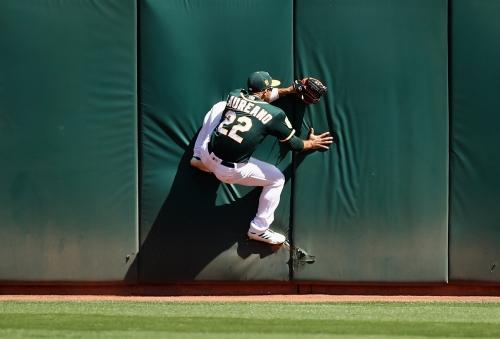 Drama major: Olson's pinch-hit homer helps A's top Rangers