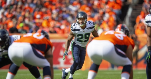 Earl Thomas, and everyone around him, glad he's back on the field for Seahawks