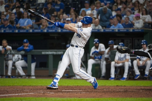 Royals ride two dongs and a walk-off bunt single/error to win in 10