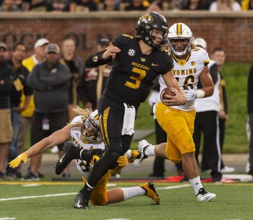 Missouri QB Lock adds ground game to his repertoire