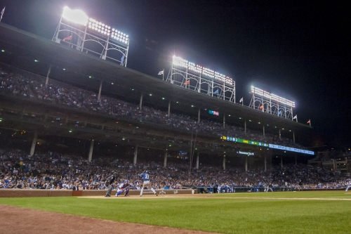 Cubs, Brewers continue weeknight series
