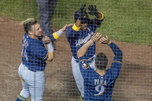 After closing NL Central gap, Milwaukee Brewers appear to be in the heads of the Chicago Cubs