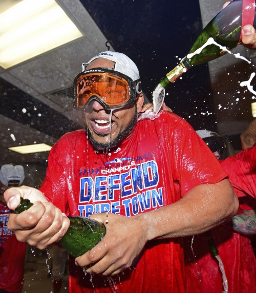 Indians blank Tigers, clinch 3rd straight AL Central title