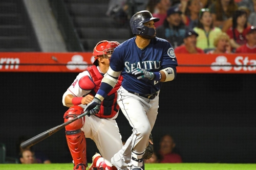 Mariners play enjoyable baseball game, shocking scientists