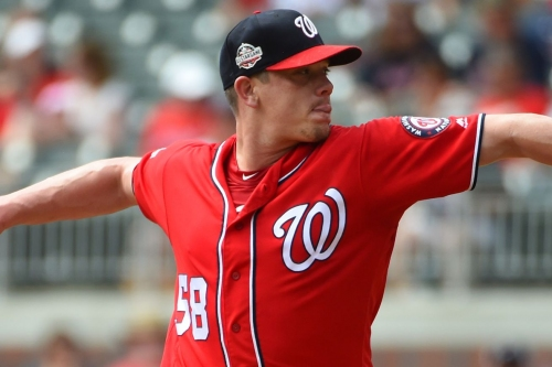 Jeremy Hellickson re-injures wrist in Nationals' win over the Braves...