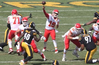 Chiefs players, fans praise Mahomes after record-breaking start