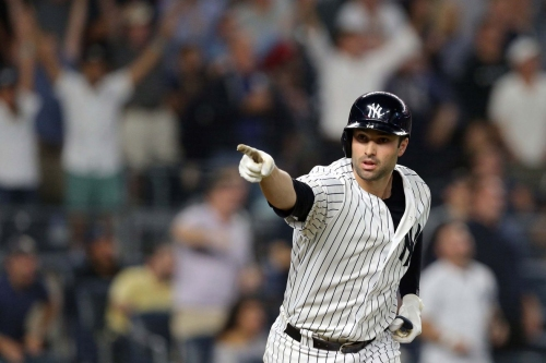Neil Walker's blasts go-ahead homer, Yankees hold off Red Sox 3-2