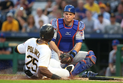 Devin Mesoraco back after almost three-week absence, Mets offseason reunion seems unlikely