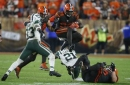 Carlos Hyde scores 2 TDs as son is born, Browns win