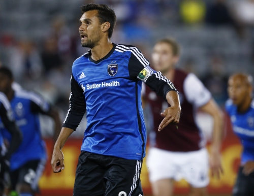 Quakes lose but may have found goalie in J.T. Marcinkowski