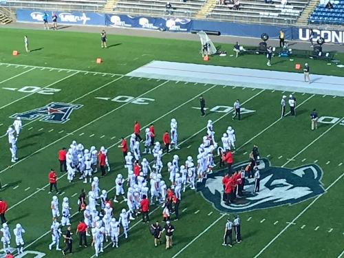 Live updates: Cincinnati Bearcats at Connecticut Huskies football