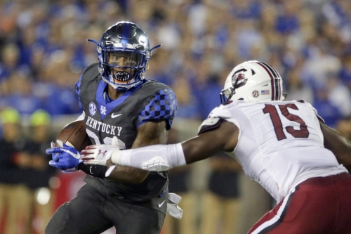 South Carolina falls flat, suffers fifth straight loss to No. 17 Kentucky