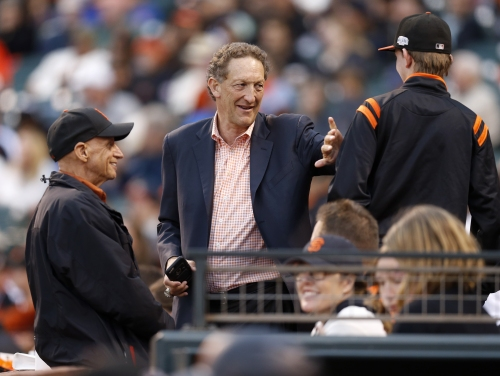 Giants deferring major decisions to new head of baseball operations department
