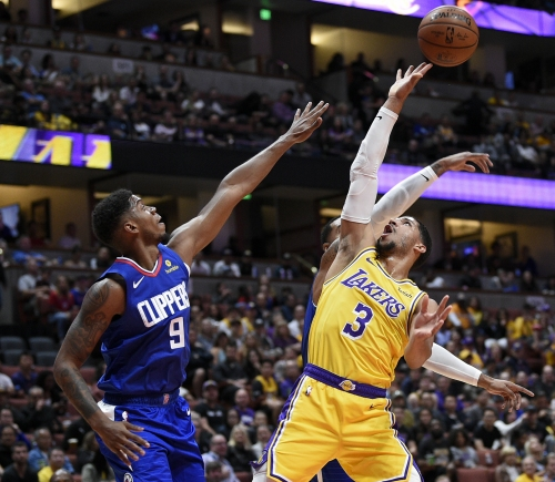 Clippers easily top Lakers without LeBron James and Lonzo Ball