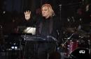 Eagles' Joe Walsh tells his addiction story at gala evening