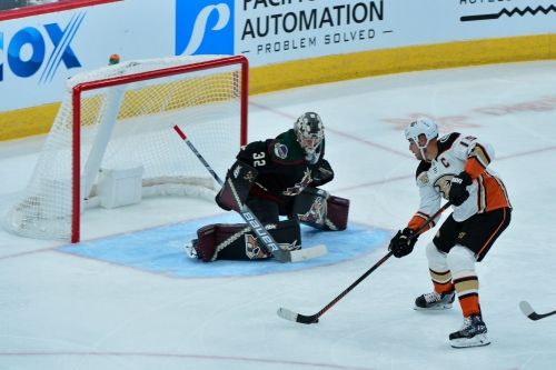Ducks vs Coyotes PREVIEW: Striving for Perfection