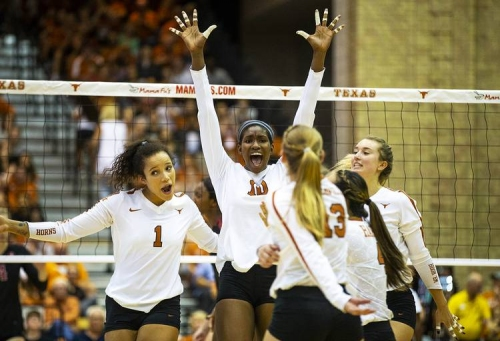 Longhorns volleyball team outlasts Oklahoma on the road